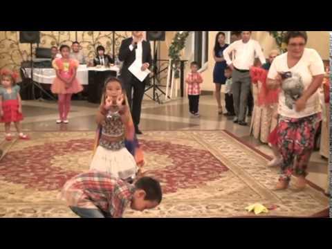 Скачать индийские танцы и песни