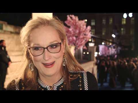 Mary Poppins Returns European Premiere w/ Meryl Streep, Lin-Manuel Miranda and Emily Blunt