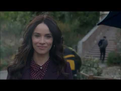 Timeless 2x12 - Lucy, Wyatt and their kids