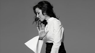Tina Arena vídeo clipe You Set Fire To My Life (Acoustic)