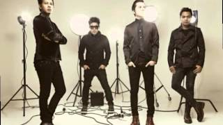 Video Armada - Sakitnya Mencintaimu ( Lyric Video ) . MP3, 3GP, MP4, WEBM, AVI, FLV Maret 2018