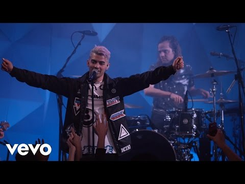Cake By The Ocean (Vevo LIFT) - DNCE