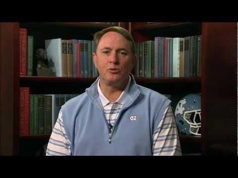 Ein Wort von Coach Butch Davis auf der Carolina Blood Drive