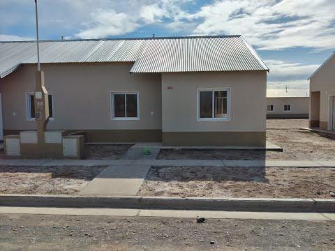 Con un estricto protocolo el IPPV realizó la entrega de 104 viviendas en General Godoy