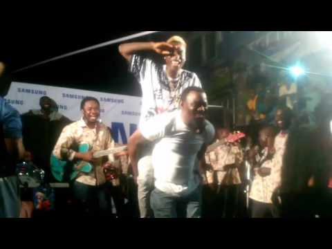 Pasuma endorses Irapada, performs it with junior boy live on stage