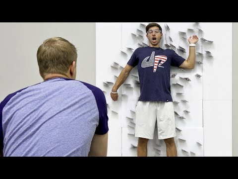 Card Throwing Trick Shots | Dude Perfect (видео)