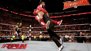 Video The Rock and The Usos lay the smackdown on The New Day: Raw, Jan. 25, 2016 MP3, 3GP, MP4, WEBM, AVI, FLV Juli 2019