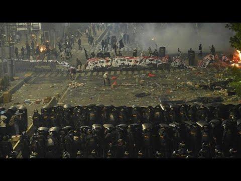 Ινδονησία: Συγκρούσεις αστυνομίας-διαδηλωτών την επαύριο των εκλογών…