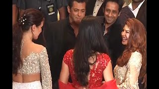 Video Sonam Kapoor's reception: When Salman Khan kept talking to Katrina Kaif MP3, 3GP, MP4, WEBM, AVI, FLV Agustus 2018