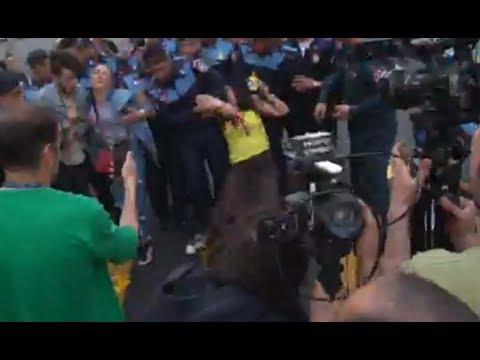 Մաշտոցի պողոտայից բերման են ենթարկել ակտիվիստների - DomaVideo.Ru