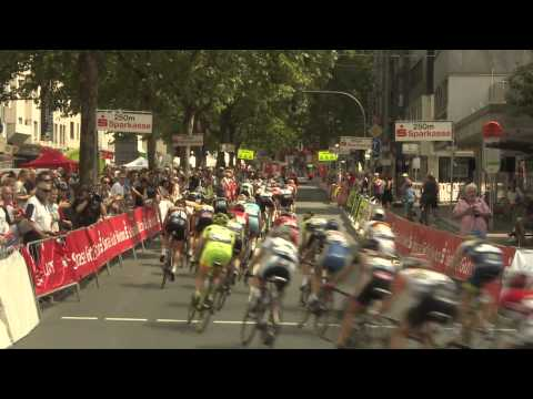 Marianne Vos wins in Germany as absent Armitstead retains lead