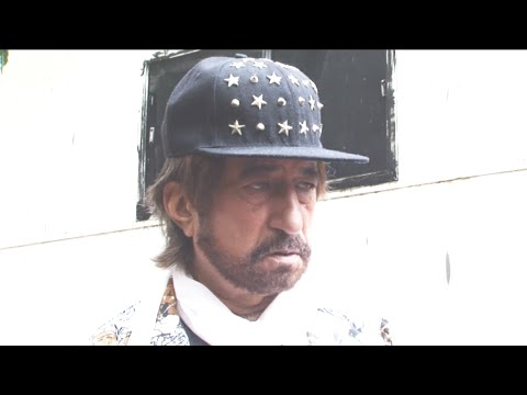 Shakti Kapoor At On Location Of Movie Mumbai Can't Dance Saala