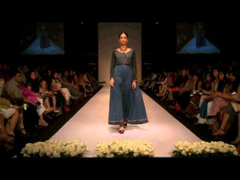 mondal - Shruti Sancheti With Her Pinnacle Label Brought To The Forefront Gorgeous Handloom Creations At Lakmé Fashion Week Winter/Festive 2013. Working for over a ye...