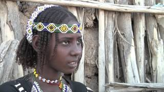 Dahra, a young 11 years old Afar girl, lives at Galaha, a village that developed beside to an old hospital for tuberculosis of Doctors Without Borders, closed since ...