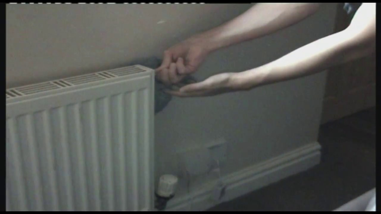 QuickFix -  How to bleed a radiator