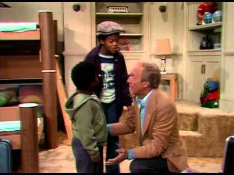 , title : 'Il mio amico Arnold - 01x01 - I due di Harlem'