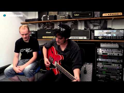 "In this video Peter Hayes from Black Rebel Motorcycle Club uses his ""No Big Deal"" TonePrint for Hall of Fame Reverb pedal from TC Electronic.  TonePrint page: http://www.tcelectronic.com/toneprint/ Hall of Fame Reverb product page: http://www.tcelectronic.com/hall-of-fame-reverb/"