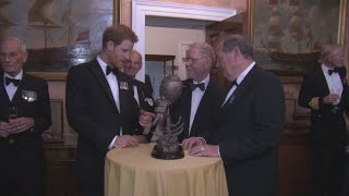 Prince Harry has given his seal of approval to plans for a monument to recognise Royal Navy diving and mine disposal teams. Harry met volunteers from the Project Vernon charity campaign at Trinity House in London.