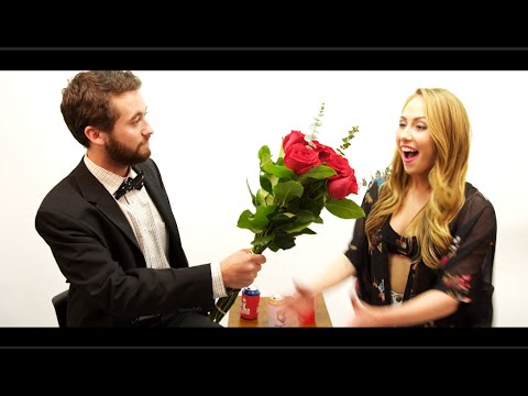 TFM Interviews Sorority Girl Turned Porn Star Carter Cruise (видео)