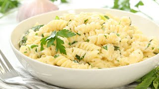 Herb and Garlic Mac & Cheese | 20 Minute Dinner Ideas by The Domestic Geek