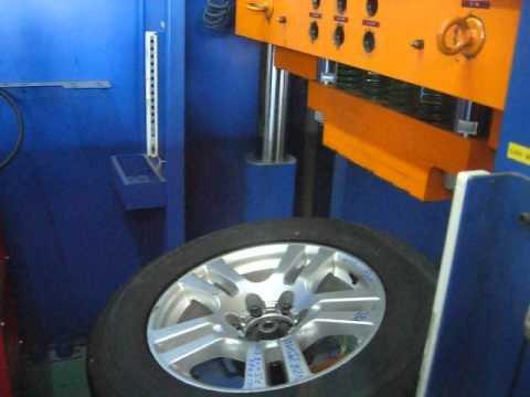 Тест дисков реплика WSP Italy W1766 ERA на удар обода (Тойота)