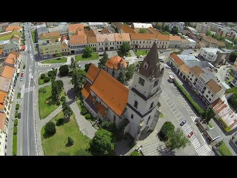 VIDEO: Unikátne zábery na centrum Hlohovca v podaní Milana (32) z FlyVideo.sk