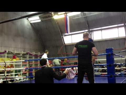Чемпионат Тюмени по кикбоксингу. Мужики до 81 кг. (видео)