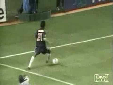 Ronaldinho vs Maradona
