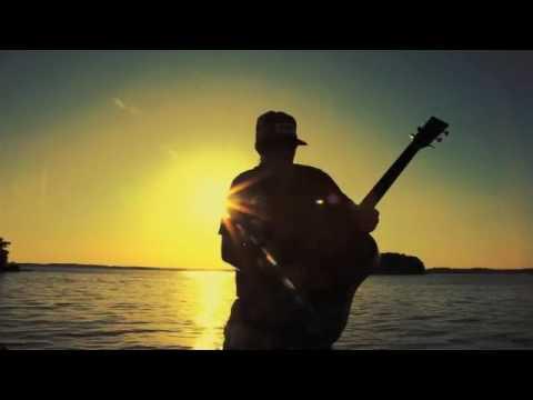 Sunny Ledfurd – Pontoon Boat
