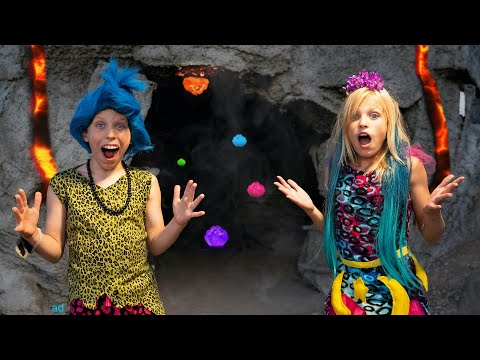 Payton and Paxton rescue Dino Pets from a Volcano!