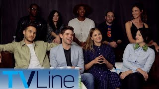"The ""Supergirl"" cast sings and talks season 3 with Andy Swift at Comic-Con 2017. ► http://bit.ly/TVLineSubscribehttp://tvline.comFollow Us On SocialTwitter http://twitter.com/MichaelAusiello, http://twitter.com/TVLineFacebook http://www.facebook.com/pages/TVLineGoogle+ http://plus.google.com/+TVLine"