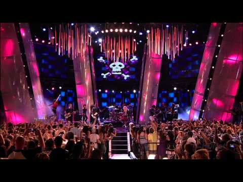 Avril Lavigne - Girlfriend Live @ MMVA 2007