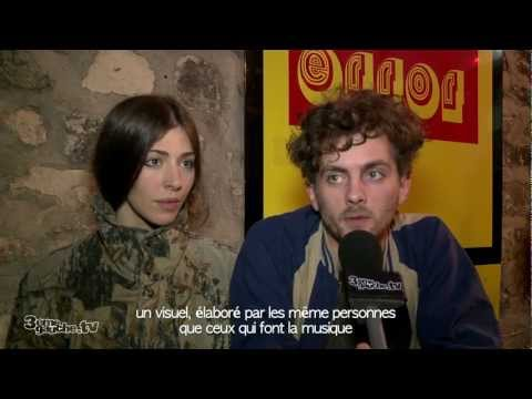 Un Caf Avec ... Chairlift ! Interview VOST