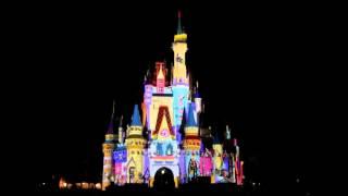 【幻想的で思わず見とれしまう・・】プロジェクションマッピングでシンデレラ城がこう変化する!