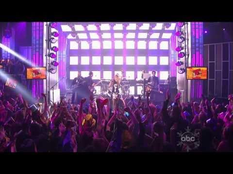 Avril Lavigne - Girlfriend [Live] (Dick Clark's New Year's Rockin' Eve 2011) High Definition