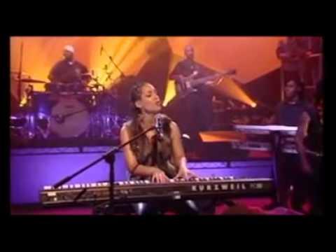 Alicia Keys live Woman's Worth 2001