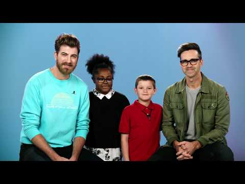 Rhett and Link Visit St. Jude видео