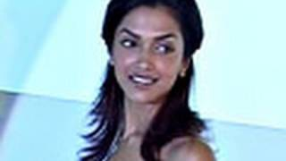 Deepika's Sexy Lingerie!