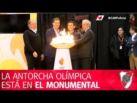 La antorcha olímpica se enciende en el Monumental