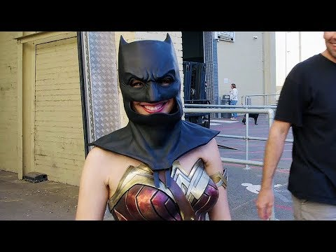 Suit Up. The Look of the League 'Justice League' Behind The Scenes [+Subtitles]