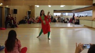 Last demonstration done by Prof. Megha at the workshop given on 28th feb. 2016 in paris at triwat dance school, A workshop of three hours where students had been taught the classical and folk aspects of dance in indian Bollywood music