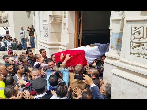 المئات يشيعون جنازة أول شهيدة للشرطة