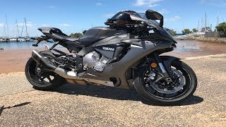 9. 2018 Yamaha R1 Review | YZF R1 - Is It Worth It?