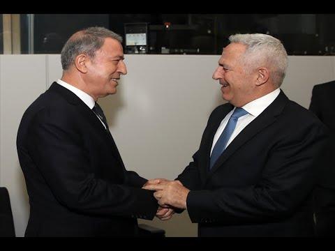 Χωρίς στρατιωτικές στολές η συνάντηση Αποστολάκη – Ακάρ…