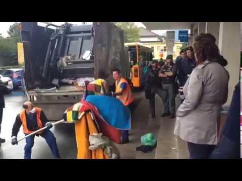 Sgombero dei migranti dalla stazione San Giovanni a Como