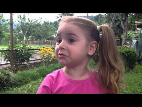 პატარა მეგრელი გოგო (ბონდო)(ვიდეო)