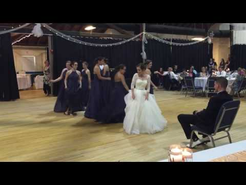EPIC PITCH PERFECT BRIDESMAIDS DANCE