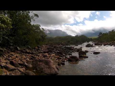 Descida para o Rio Kukenan na Venezuela
