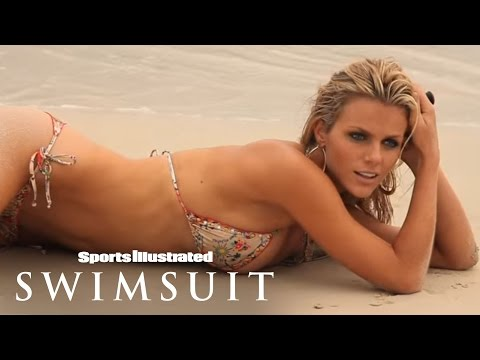 Bikini Friday - SI Swimsuit In Peter Island