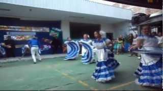 Folklore Salvadoreño - Colegio Maiti 2012